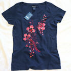 NWT LUCKY Brand Floral Orchid Appliqued Navy Tee Short Sleeve Top M Medium NEW