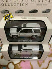 Dealer version 1 64 Cadillac Escalade 2015+2013 Off Road SUV 2 IN 1 car model