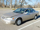 1997 Toyota Camry LE,  No below $500 dollars