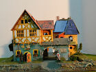 MEDIEVAL VILLAGE HAND PAINTED 28MM SCALE DIORAMA SET