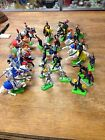 Britains LTD Deetail Knights  Vintage Toy Figure 1971 ( lot of 24)