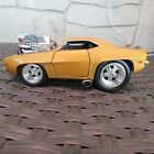1969 CHEVY CAMARO MUSCLE MACHINES 124 SCALE DIECAST