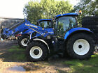 NEW HOLLAND T7200 TRACTOR WITH LOADER