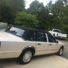 1997 Lincoln Town Car Landau/Signature for $1500 dollars