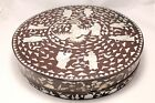 CHINESE 19TH CENTURY MOTHER OF PEARL INLAID LARGE BOX ROUND CENTERPIECE