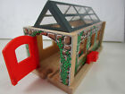 Learning Curve Thomas and Friends USEFUL ENGINE SHED works with BRIO Clear Roof