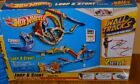 Hot Wheels Wall Tracks Loop  Stunt Drift Rally Spinout Track Set Y2741 2012