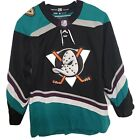 Anaheim Ducks Collecting and Fan Guide 13