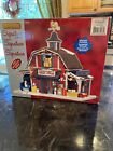 NEW LEMAX SIGNATURE LIGHTED CHRISTMAS DECORATED VILLAGE COUNTRY BARN GIFT SHOP