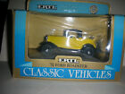Vintage Ertl Classic Vehicles '32 Ford Roadster #2501 (B 13)