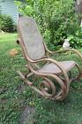 LARGE WOODEN ANTIQUE WOOD CLASSIC BENTWOOD ROCKER ROCKING CHAIR VINTAGE
