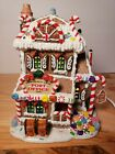 LEMAX Sugar N Spice PEPPERMINT LANE POST OFFICE Lighted Christmas Village.2004