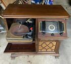 Vintage 1940s Zenith Chippendale Phonograph Radio Console Cabinet 12h092