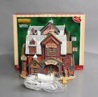 Lemax 85685 Vail Village Horse Shoe Plaza  Lighted Porcelain Building LN/Box