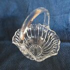 Vtg Clear Glass Wedding Basket Applied Handle Scollop Around Edge Ribbed Sides