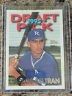 1995 Topps Traded and Rookies Baseball Cards 21