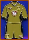 Ty Beanie Baby Portsmouth Soccer Team Jersey/Shorts LAPEL PIN BADGE New on Card