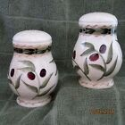 Oneida (Oliveto) Salt & pepper Shaker Set,NIB   Retired  Pattern
