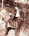 BONNIE AND CLYDE VINTAGE PHOTO CLYDE BARROW HIGHWAY SIGN BANK ROBBER GANG 20571