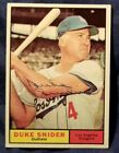 1961 Topps DUKE SNIDER SIGNED Auto Card Los Angeles Brooklyn Dodgers Team vtg