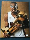 Chris Bosh Cards, Rookie Card Checklist and Autograph Memorabilia Guide 55