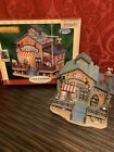 2006 LEMAX Snow Village STOWAWAY NAUTICAL GIFT SHOP Light Up PLYMOUTH CORNERS