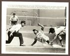 1970 Press Photo Cleon Jones of the New York Mets Safe at Third vs the Braves