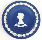 WEDGWOOD White on Blue Jasperware Cup Plate SILVER JUBILEE QUEEN ELIZABETH