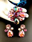 DAZZLING REGENCY PINK IRIDESCENT GLASS CABOCHON RHINESTONE BROOCH EARRINGS SET