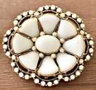 BEAUTIFUL VINTAGE WHITE GLASS HOLLYCRAFT BROOCH PIN