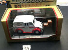 Die-Cast Car 1:43 scale 2000 Road Champs Hershey's 1950 Divco Truck #34 48200