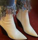 STEVE MADDEN WHITE ANKLE BOOTS SIZE 75 RUNS SMALL BEST FOR SIZE 7 HUG FIT