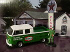 Greenlight TEXACO Gas Station '74 VOLKSWAGEN TYPE 2 & Attendant✰Green VW pick-up
