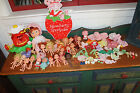 VINTAGE STRAWBERRY SHORTCAKE LOT*21 DOLLS, BLOW KISS DOLL*CLOTHES, SHOES,TROLLEY