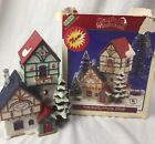 1995 Lemax Santa's Wonderland Christmas Village Inn Lighted House