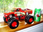 MUSCLE MACHINES MONSTER TRUCK 1 24 SCALE DIECAST DODGE RAMINATOR