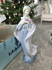 Lladro Figurine Our Lady with Flowers 5171 Madonna, Vicente Martinez 12.5