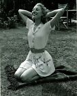 Vera Lynn signed beautiful 8x10 photo autograph WWII Forces Sweetheart