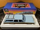 GREENLIGHT CHARLIES ANGELS 1979 FORD LTD COUNTRY SQUIRE WAGON BLUE 118 DIECAST
